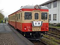 Isumi_kiha52_20120422_04